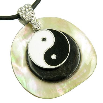 Lucky Ying Yang Black and White Shell Circle Pendant Necklace